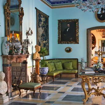 The Blue salon: CHARMING LIGHTS AND COLOURS FOR A STYLISH DANCE.